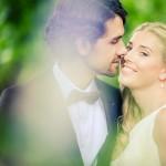 Bröllopsmys i grönskan | Heléne och Patrik - Foto: Viktor Sundberg