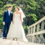 Brudpar på bryggan | Helena och Kim - Foto: Viktor Sundberg