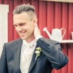 Brudgummen innan vigseln | Tobias - Foto: Viktor Sundberg