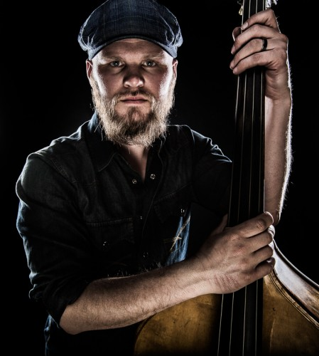 Pelle med sin kontrabas - Foto: Viktor Sundberg