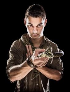 Daniel med orm - Foto: Viktor Sundberg
