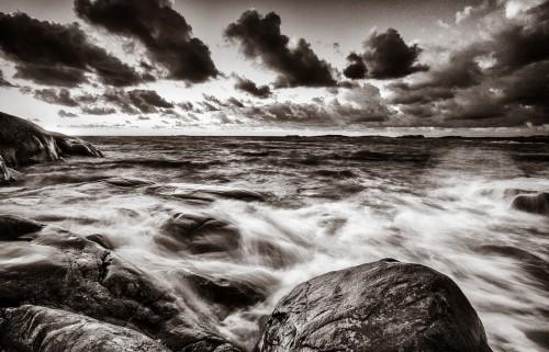 Svartvit kustbild | Fotokurser i höst - Foto: Viktor Sundberg
