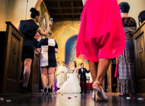 Kaos i kyrkan | Vanja och Harry - Foto: Viktor Sundberg